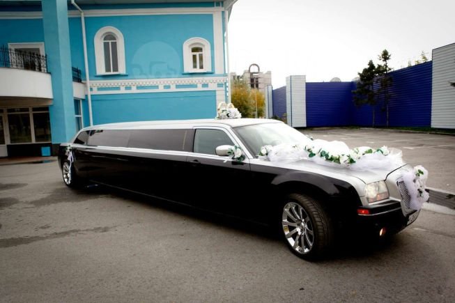 Chrysler 300C, 2004 год, 790 000 руб.