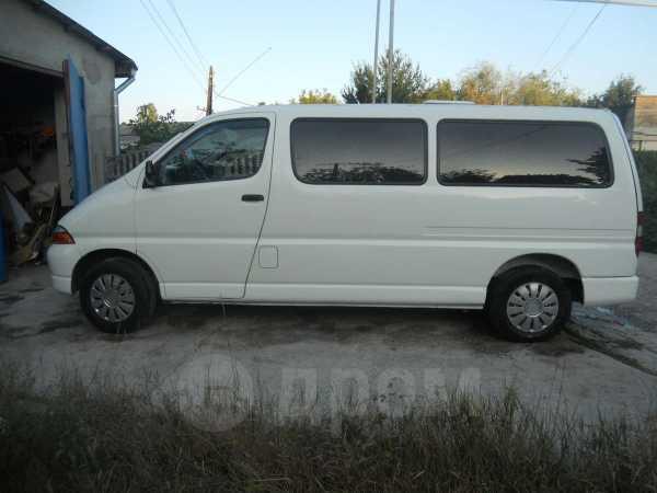 Toyota Hiace, 2000 год, 568 000 руб.