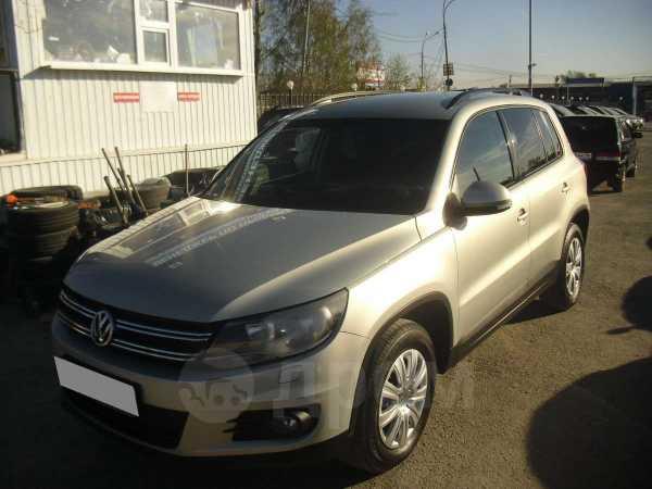 Volkswagen Tiguan, 2011 год, 635 000 руб.
