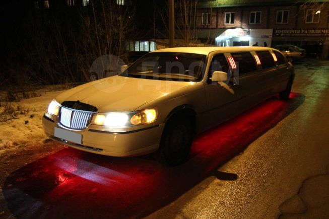 Lincoln Town Car, 2001 год, 450 000 руб.
