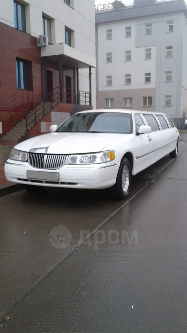 Lincoln Town Car, 2000 год, 330 000 руб.