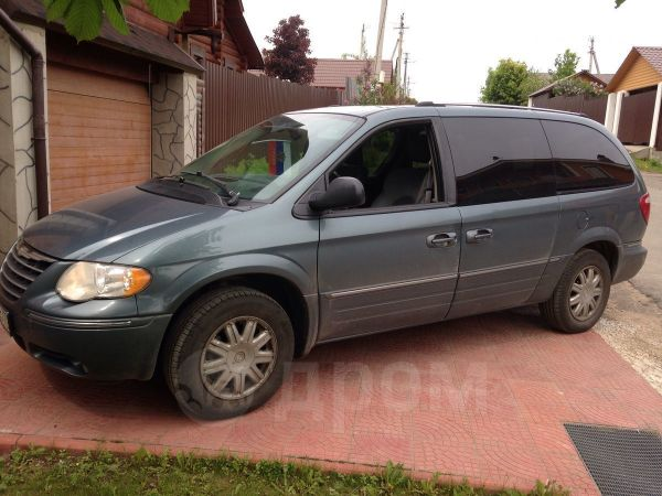 Chrysler Town&Country, 2005 год, 500 000 руб.