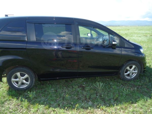 Honda Freed Spike, 2012 год, 670 000 руб.