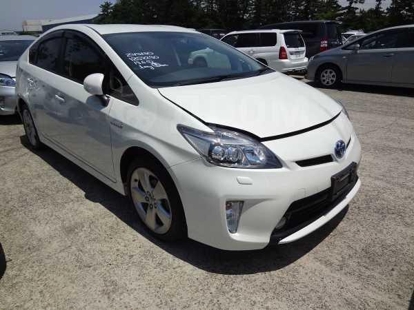 Toyota Prius, 2014 год, 1 050 000 руб.