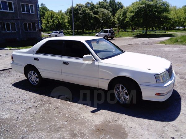 Toyota Crown, 1997 год, 245 000 руб.