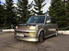Кызыл Тойота ББ 2000