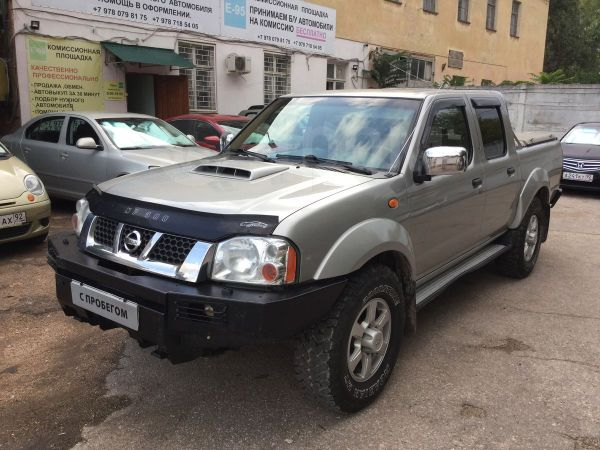 Nissan NP300, 2012 год, 675 000 руб.