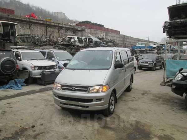 Toyota Hiace Regius, 2001 год, 320 000 руб.