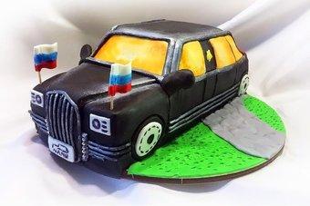 Вес торта — около 3-3,5 килограмм.