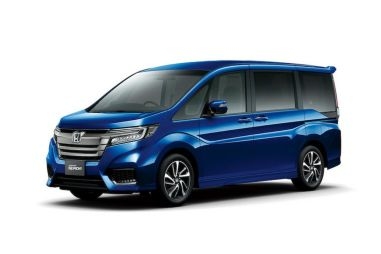 Honda модернизировала минивэн Stepwgn