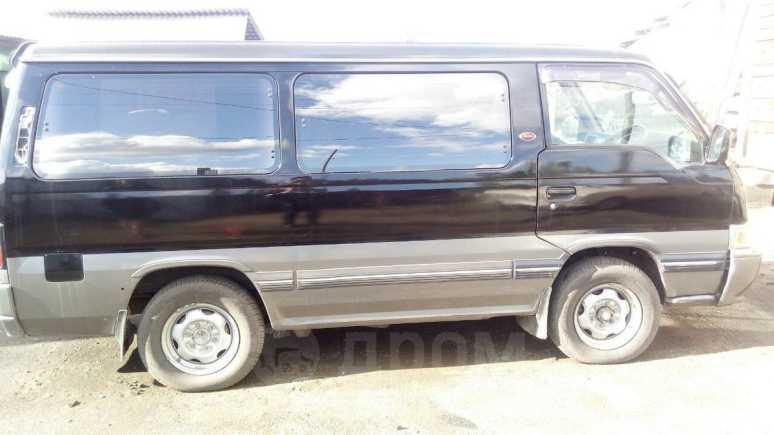 Nissan Caravan, 1988 год, 255 000 руб.