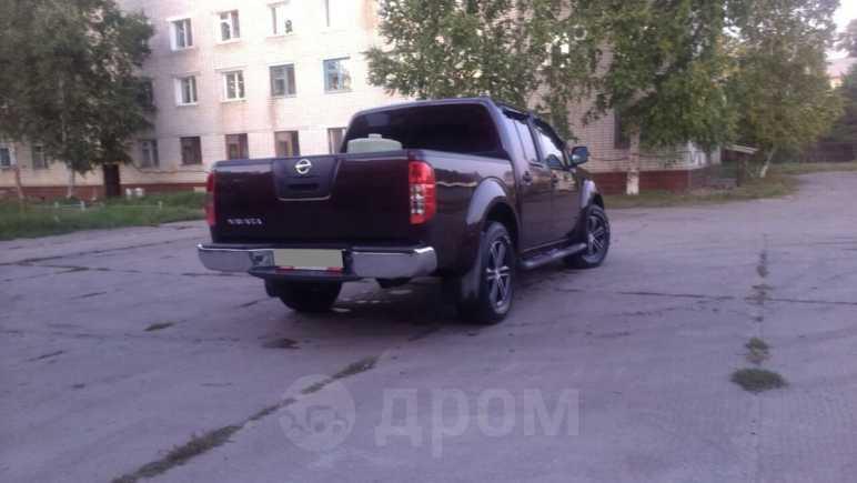 Nissan Navara, 2010 год, 900 000 руб.
