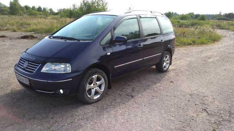 Volkswagen Sharan, 2004 год, 358 000 руб.