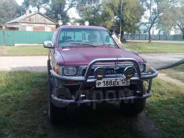 Toyota Hilux Pick Up, 1991 год, 650 000 руб.