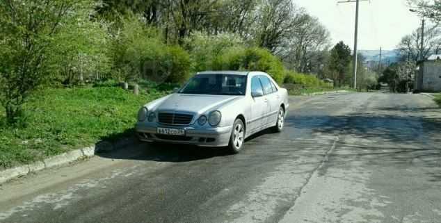 Mercedes-Benz E-Class, 2001 год, 470 000 руб.