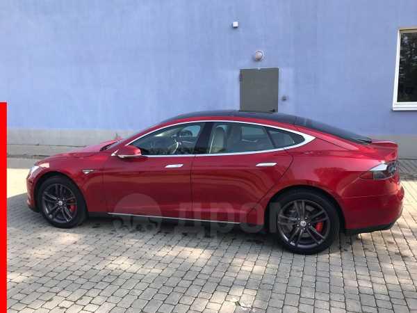Tesla Model S, 2015 год, 5 942 134 руб.