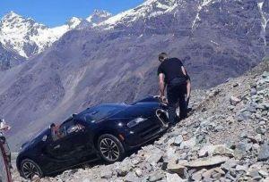В Южной Америке чуть не разбили редкий Bugatti Veyron