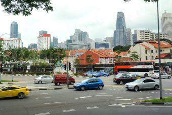 Сингапур давно практикует жесткие меры для ограничения роста личного автопарка.