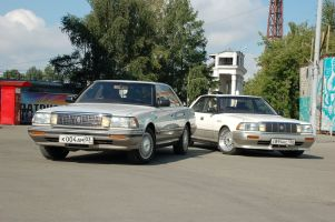 Народное ретро: Toyota Crown MS135/UZS131. Два рояля