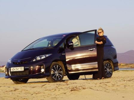 Toyota Estima 2012 - отзыв владельца