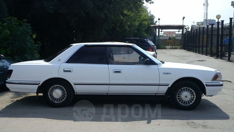 Toyota Crown, 1988 год, 60 000 руб.