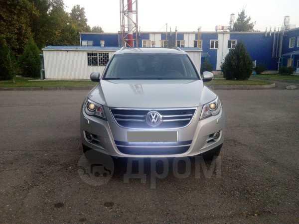 Volkswagen Tiguan, 2011 год, 890 000 руб.