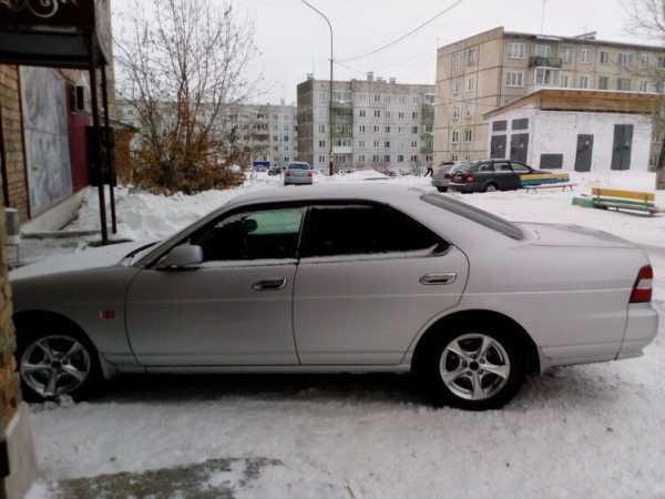 Nissan Laurel, 2002 год, 399 000 руб.