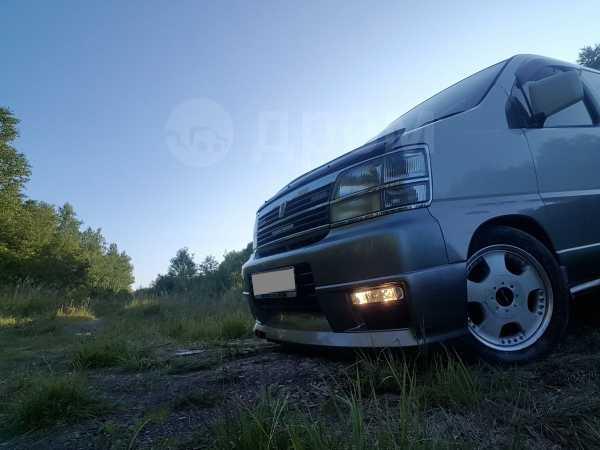 Nissan Caravan Elgrand, 2000 год, 450 000 руб.