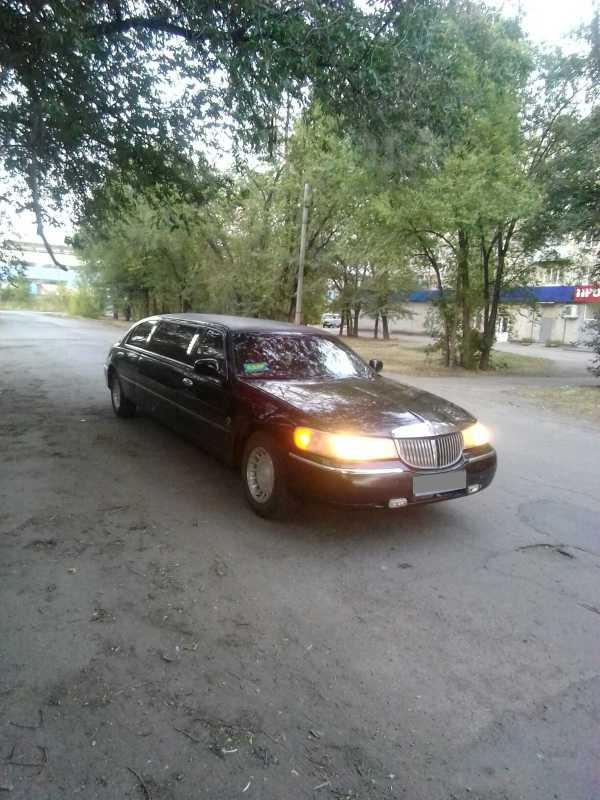 Lincoln Town Car, 2000 год, 600 000 руб.