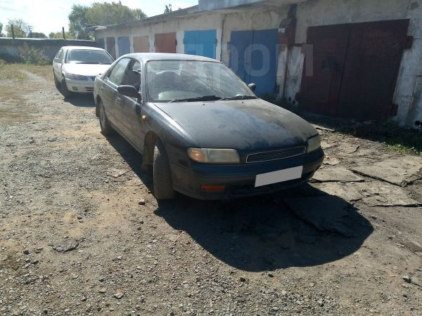 Nissan Bluebird, 1993 год, 75 000 руб.