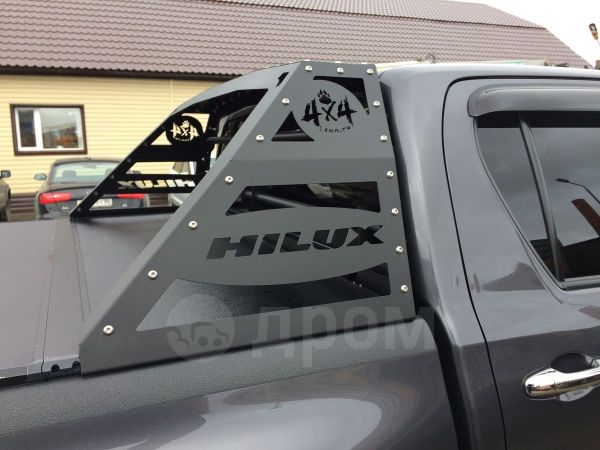 Toyota Hilux Pick Up, 2015 год, 2 200 000 руб.