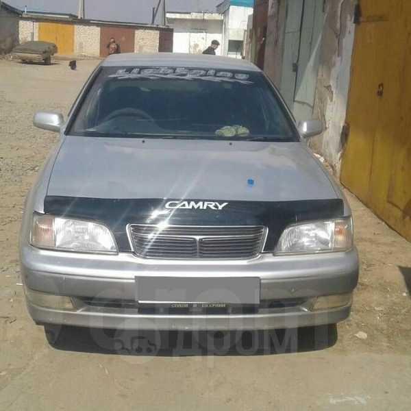Toyota Camry, 1998 год, 140 000 руб.