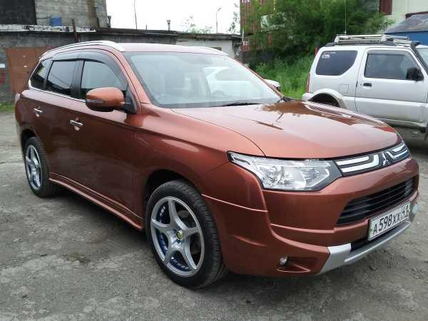Mitsubishi Outlander, 2012 год, 1 400 000 руб.