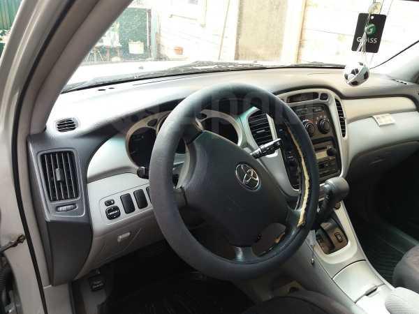 Toyota Highlander, 2005 год, 730 000 руб.