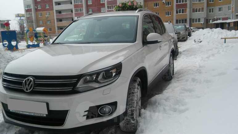Volkswagen Tiguan, 2012 год, 1 050 000 руб.