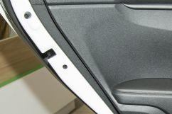 Дополнительное оборудование: Блокировка задних дверей от случайного открывания детьми