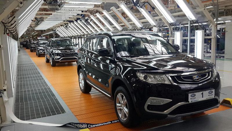 Лукашенко открыл завод «БелДжи»: сконвейера сошел 1-ый флагманский кроссовер Geely Atlas