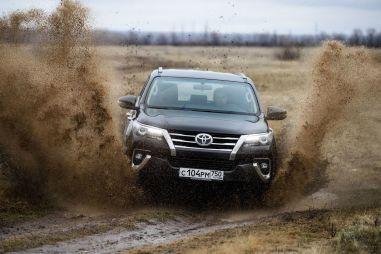 Первый тест-драйв российского Toyota Fortuner. Теория относительности