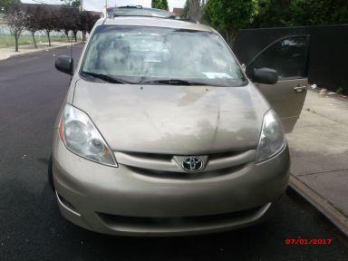 Toyota Sienna, 2008