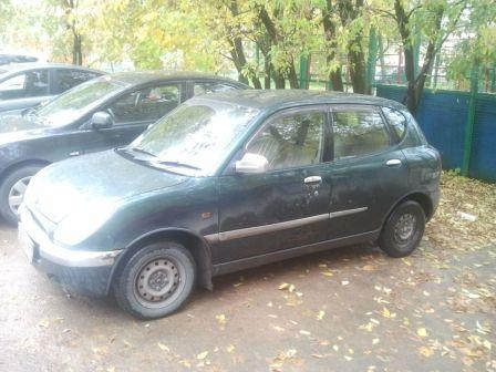 Toyota Duet 2001 - отзыв владельца