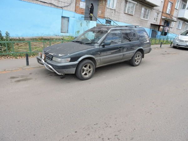 Toyota Sprinter Carib, 1993 год, 98 000 руб.