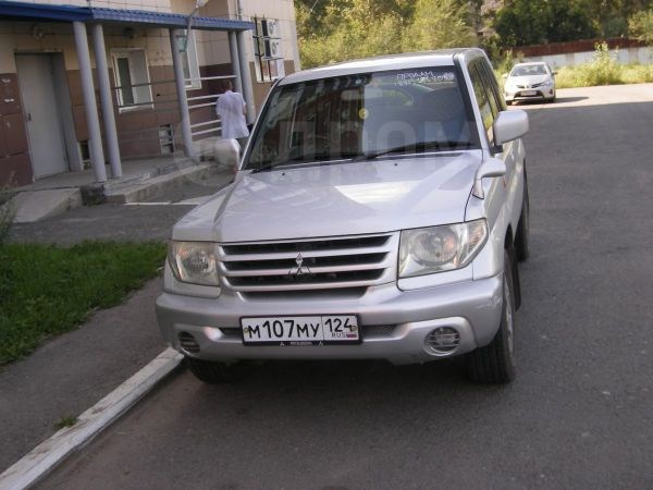 Mitsubishi Pajero iO, 2000 год, 325 000 руб.