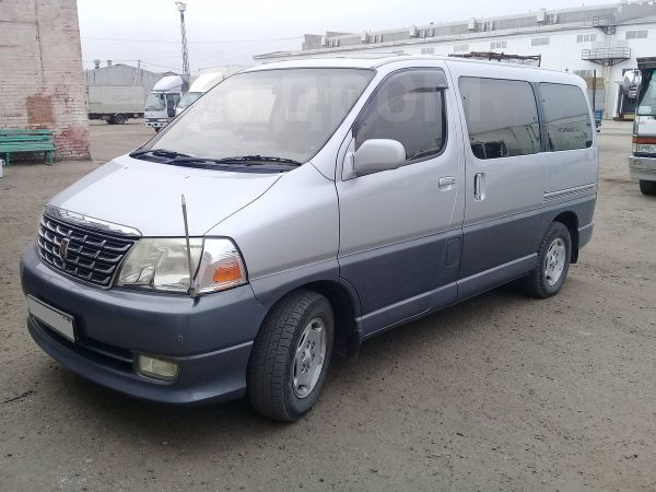 Toyota Granvia, 2002 год, 590 000 руб.