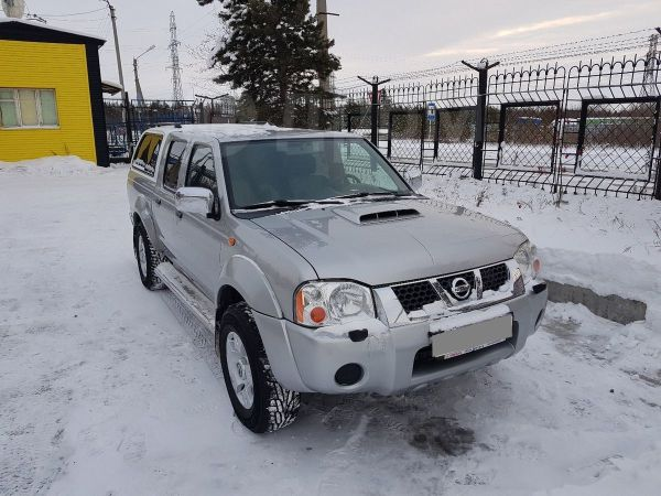 Nissan NP300, 2010 год, 600 000 руб.