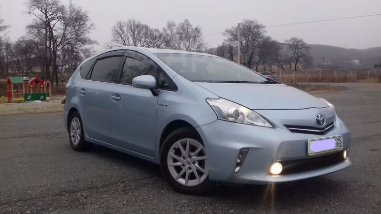 Toyota Prius a, 2012 год, 778 000 руб.