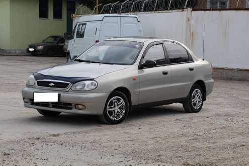 Chevrolet lanos бензин, мкпп, полный, серебро.