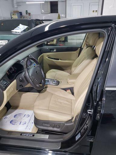 Hyundai Genesis, 2010