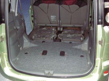 Toyota Sienta, 2009
