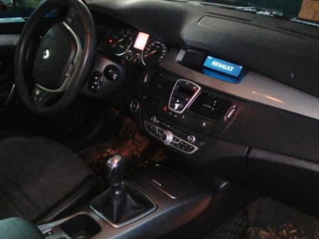 Renault Laguna 2010 - отзыв владельца