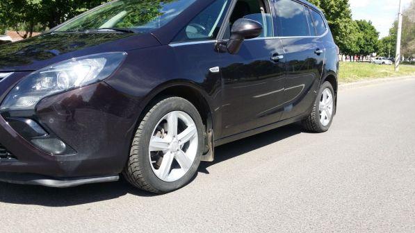 Opel Zafira 2014 - отзыв владельца